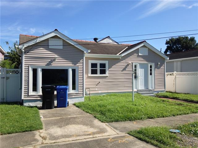 8831 Stroelitz Street, New Orleans, LA 70118 (MLS #2177964) :: Turner Real Estate Group