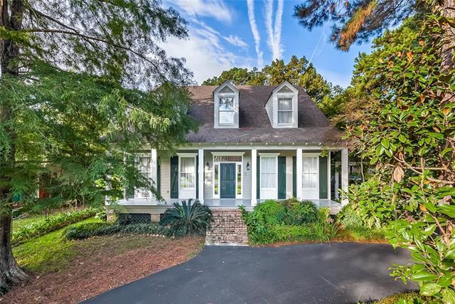 5 Laurelwood Drive, Covington, LA 70433 (MLS #2178119) :: Crescent City Living LLC