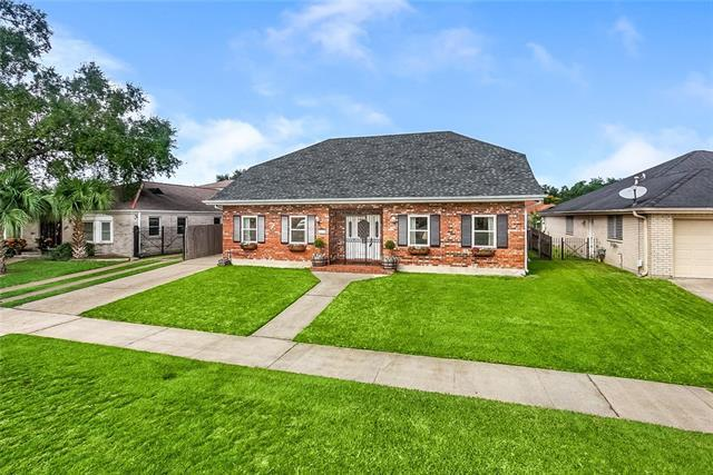 2335 Leon C Simon Drive, New Orleans, LA 70122 (MLS #2178524) :: Turner Real Estate Group