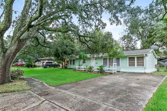 201 Berkley Drive, New Orleans, LA 70131 (MLS #2178822) :: Parkway Realty