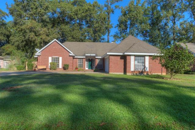 2010 Red Oak Lane, Mandeville, LA 70448 (MLS #2179571) :: Turner Real Estate Group