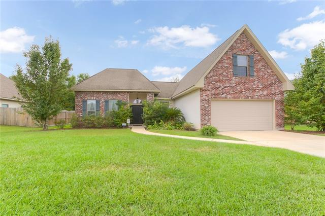 28534 Water Oak Loop, Ponchatoula, LA 70454 (MLS #2179897) :: Parkway Realty