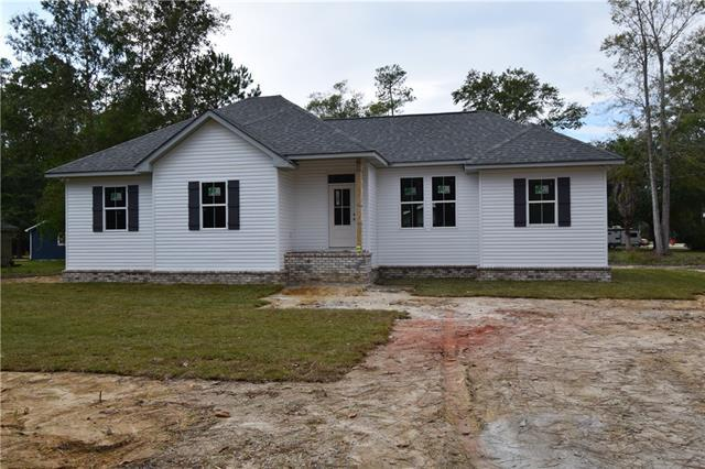 61225 Forest Drive, Lacombe, LA 70445 (MLS #2180064) :: Turner Real Estate Group