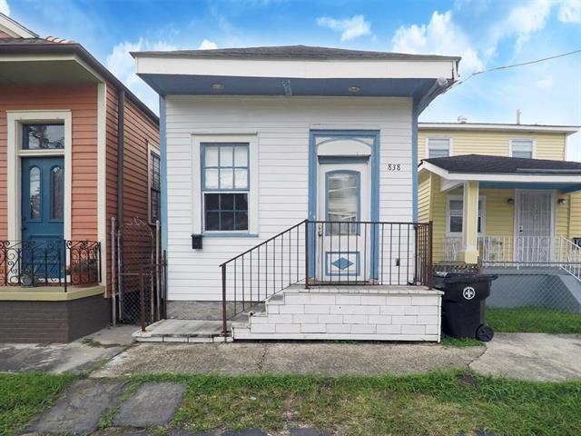 838 Deslonde Street, New Orleans, LA 70117 (MLS #2180229) :: Crescent City Living LLC