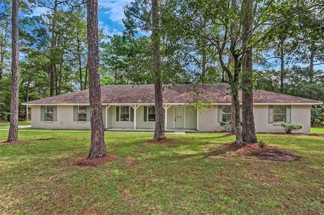 61132 Queen Anne Drive, Lacombe, LA 70445 (MLS #2180297) :: Inhab Real Estate