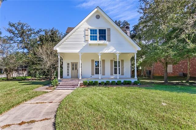 903 Beau Chene Drive, Mandeville, LA 70471 (MLS #2180390) :: Turner Real Estate Group