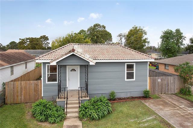 1634 Newton Street, Gretna, LA 70053 (MLS #2180545) :: Crescent City Living LLC