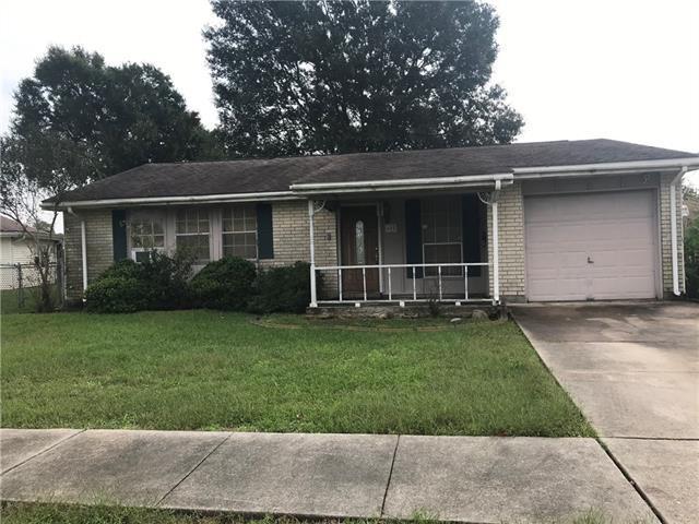 605 Clinebrook Drive, Gretna, LA 70056 (MLS #2180774) :: Watermark Realty LLC