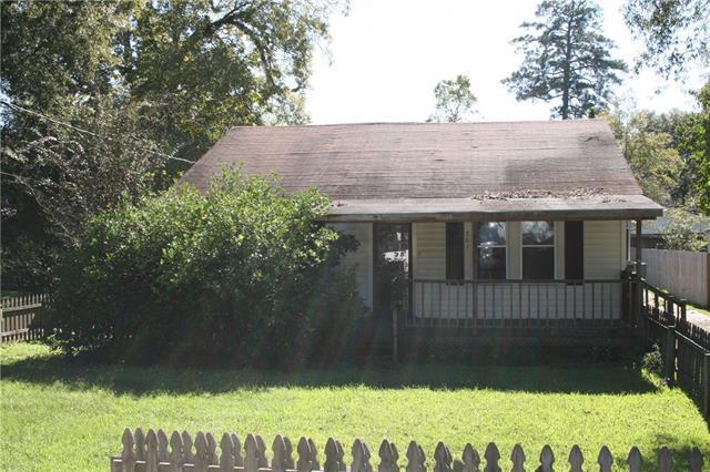 701 W Robert Street, Hammond, LA 70401 (MLS #2180880) :: ZMD Realty