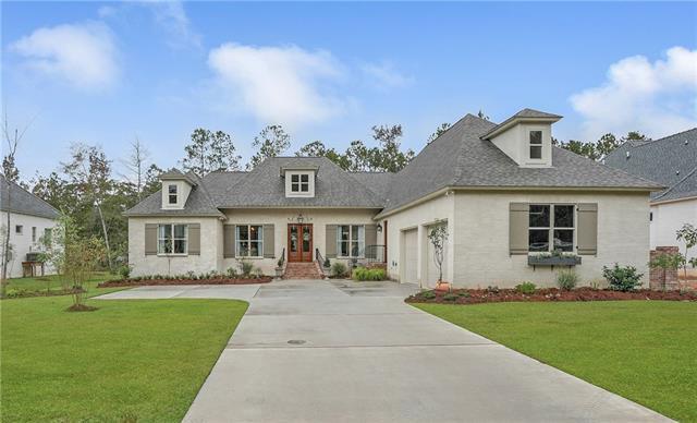 136 Oleander Court, Mandeville, LA 70471 (MLS #2180883) :: Turner Real Estate Group