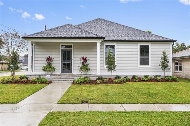 1701 Thomas Street, Gretna, LA 70053 (MLS #2181045) :: Crescent City Living LLC