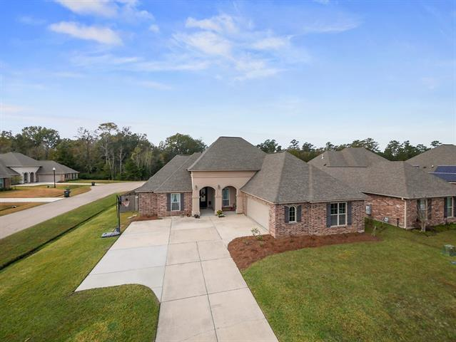 348 Old Place Lane, Madisonville, LA 70447 (MLS #2181592) :: Parkway Realty