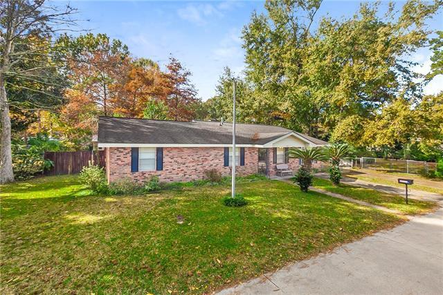 240 W Causeway, Mandeville, LA 70448 (MLS #2182740) :: Inhab Real Estate