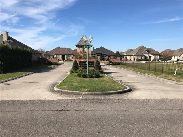 124 Chapel Hill Drive, Belle Chasse, LA 70037 (MLS #2183208) :: Top Agent Realty