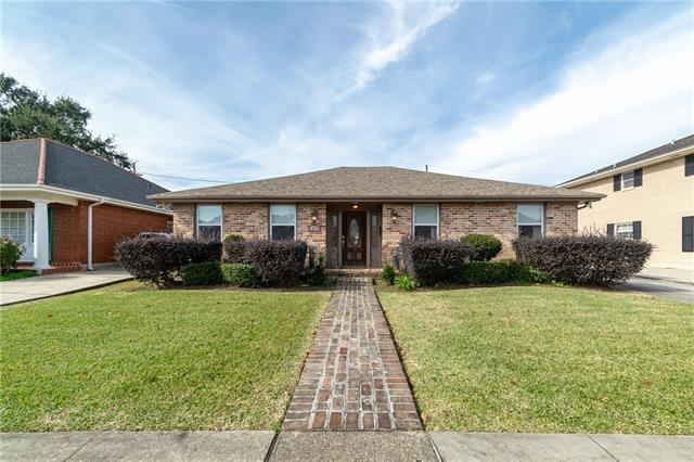 5870 Sylvia Drive, New Orleans, LA 70124 (MLS #2183504) :: Crescent City Living LLC
