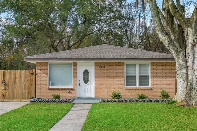 1608 Heights Drive, St. Bernard, LA 70085 (MLS #2184143) :: Top Agent Realty