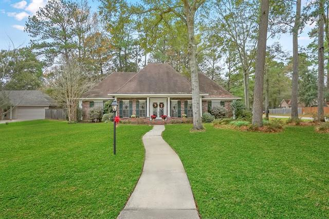 8016 Elizabeth Lane, Mandeville, LA 70448 (MLS #2184214) :: Turner Real Estate Group