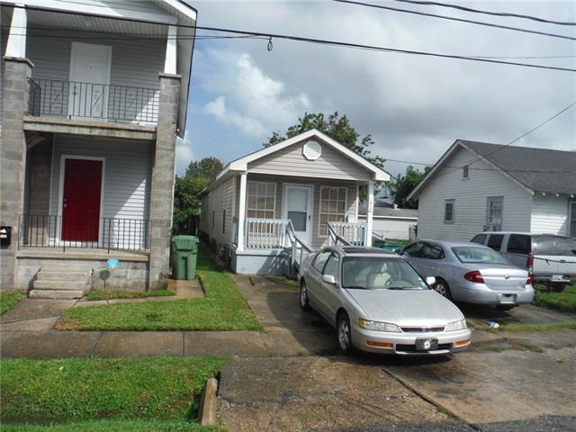 1410 Hancock Street, Gretna, LA 70053 (MLS #2184279) :: Crescent City Living LLC