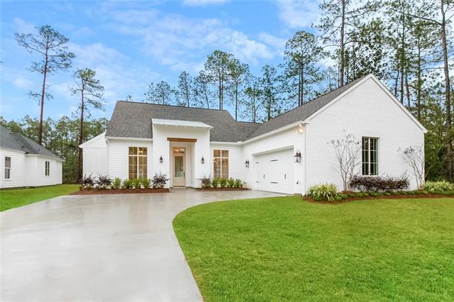 224 Chateau Papillon Drive, Mandeville, LA 70471 (MLS #2185157) :: Watermark Realty LLC