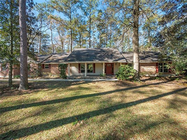 136 Brookside Drive, Mandeville, LA 70471 (MLS #2185676) :: Inhab Real Estate