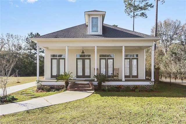102 Taylor Drive, Pearl River, LA 70452 (MLS #2186181) :: Crescent City Living LLC