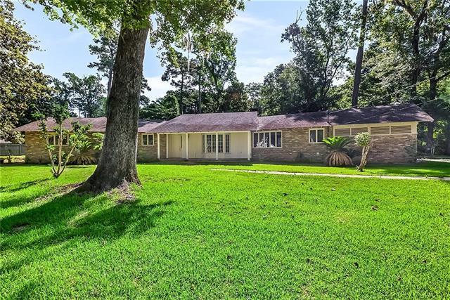 1 Sulphur Springs Lane, Covington, LA 70433 (MLS #2186406) :: Crescent City Living LLC