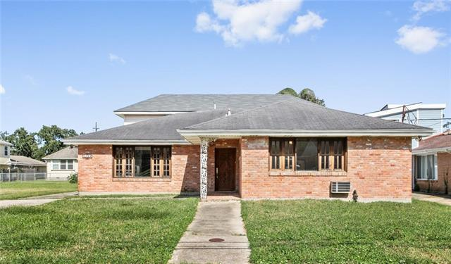 1309 Seville Drive, New Orleans, LA 70122 (MLS #2186438) :: Watermark Realty LLC