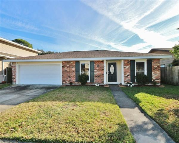 823 Lawrence Street, Gretna, LA 70056 (MLS #2186472) :: Crescent City Living LLC