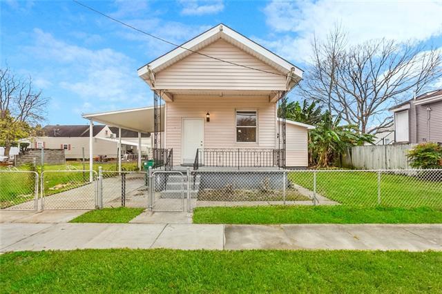 624 Americus Street, Gretna, LA 70053 (MLS #2186584) :: Crescent City Living LLC
