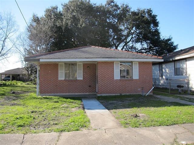 5812 Lafaye Street, New Orleans, LA 70122 (MLS #2186872) :: Crescent City Living LLC