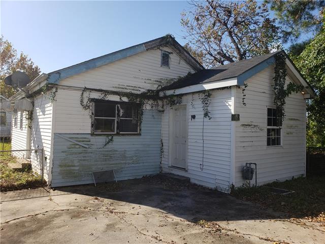 2708 Burns Street, Jefferson, LA 70121 (MLS #2186984) :: Crescent City Living LLC