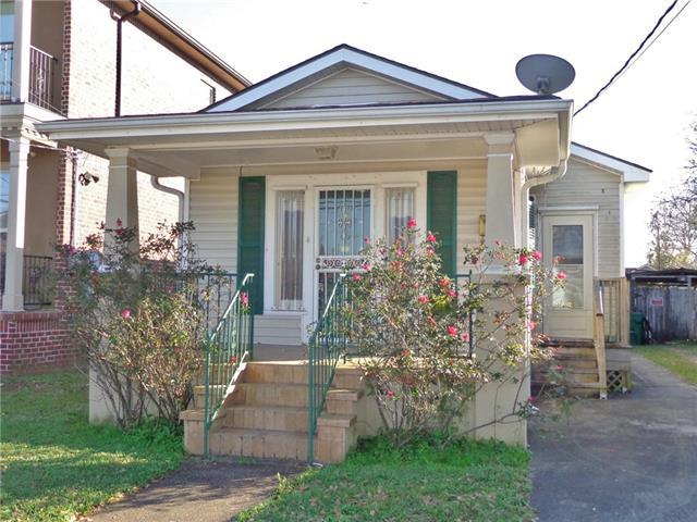 914 Kepler Street, Gretna, LA 70053 (MLS #2187576) :: Crescent City Living LLC