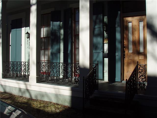 2217 Laurel Street #1, New Orleans, LA 70130 (MLS #2188058) :: Crescent City Living LLC