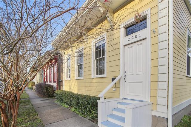 2201 Valence Street, New Orleans, LA 70115 (MLS #2188221) :: ZMD Realty