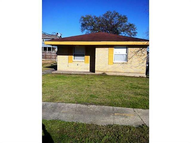 4963 Camelia Street, New Orleans, LA 70126 (MLS #2188317) :: Crescent City Living LLC