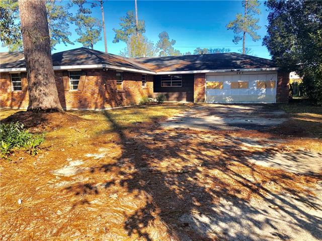 245 Robinhood Drive, Covington, LA 70433 (MLS #2188526) :: Crescent City Living LLC