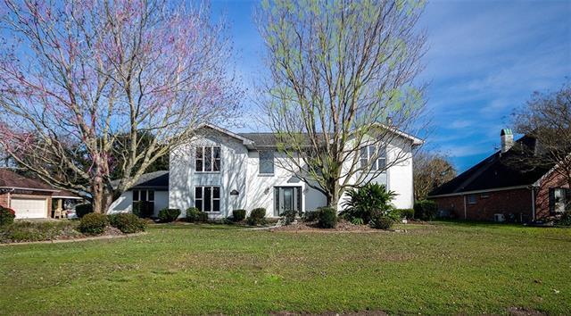 3641 E Lake Aspen Drive, Gretna, LA 70056 (MLS #2188640) :: Watermark Realty LLC