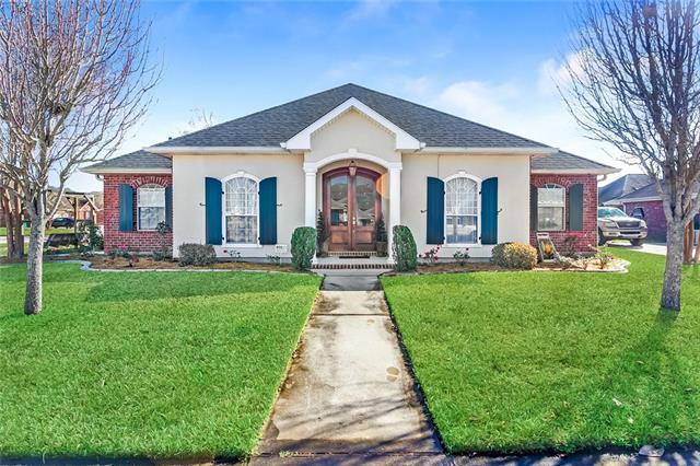 141 Oak Moss Drive, La Place, LA 70068 (MLS #2188911) :: Crescent City Living LLC