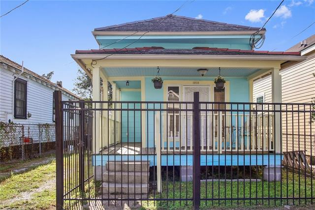 1910 Mandeville Street, New Orleans, LA 70117 (MLS #2189397) :: Crescent City Living LLC