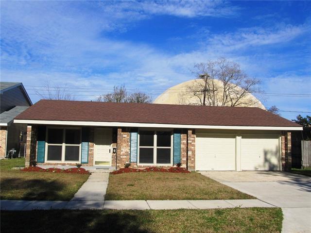 209 Brookmeade Drive, Gretna, LA 70056 (MLS #2189494) :: Crescent City Living LLC