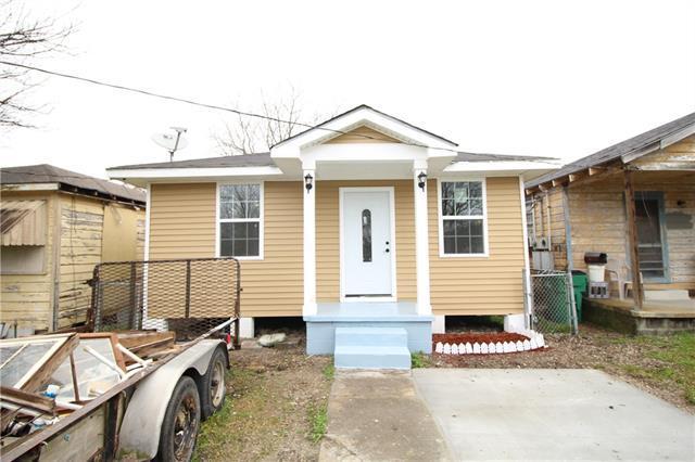 2417 Weyer Street, Gretna, LA 70053 (MLS #2189712) :: Crescent City Living LLC