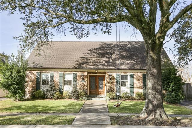 127 Country Club Drive, New Orleans, LA 70124 (MLS #2190264) :: Crescent City Living LLC