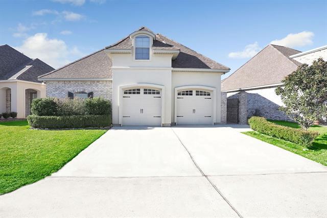 113 Saint Calais Place, Madisonville, LA 70447 (MLS #2190443) :: Crescent City Living LLC