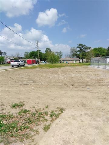 801 E Judge Perez Drive, Chalmette, LA 70043 (MLS #2190561) :: Robin Realty