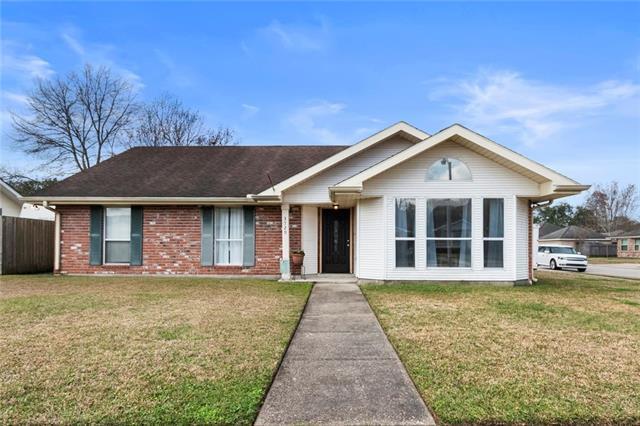 3729 Tara Drive, Destrehan, LA 70047 (MLS #2190609) :: Inhab Real Estate