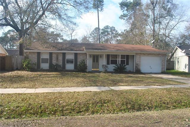 2122 Middle Drive, Slidell, LA 70458 (MLS #2190686) :: Inhab Real Estate