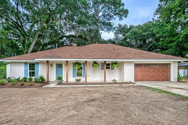 245 Oak Lane, Mandeville, LA 70448 (MLS #2191424) :: The Sibley Group