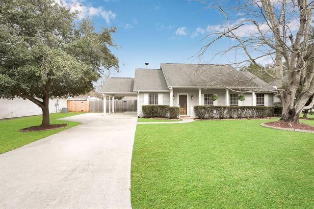 106 E Meadow Court, Mandeville, LA 70471 (MLS #2191904) :: Turner Real Estate Group