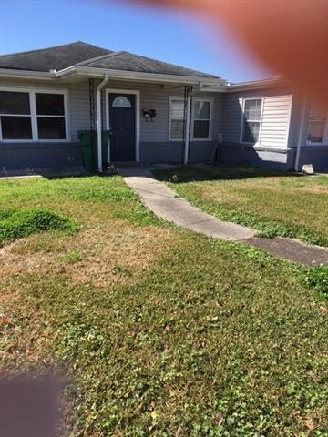 3216 Hero Drive, Gretna, LA 70053 (MLS #2192427) :: Crescent City Living LLC