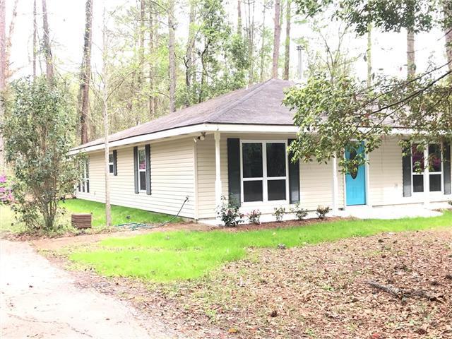 110 Honeysuckle Drive, Covington, LA 70433 (MLS #2193029) :: Inhab Real Estate